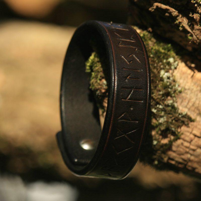 Bracelet viking Futhark