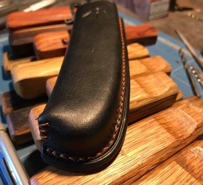 Étui cuir couteau Tamanta vue de dessus - Passion d'en fer
