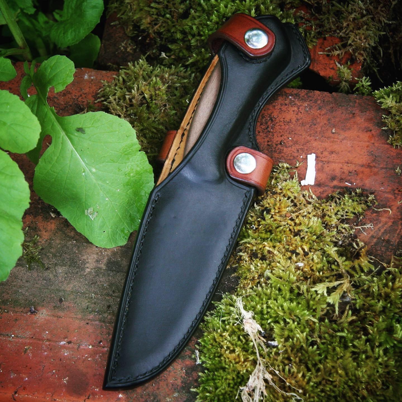 Étui cuir couteau forgeron