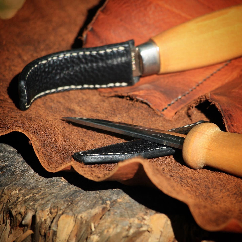 Étui cuir couteau sculpture sur bois Morakniv