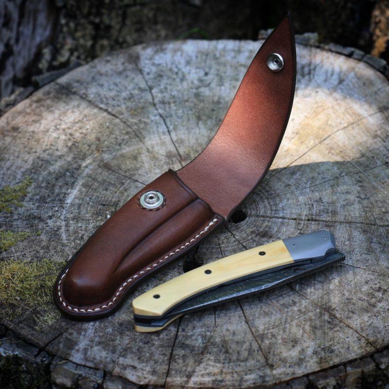 """""""Merops"""" case for Skua cutlery knife, open view"""
