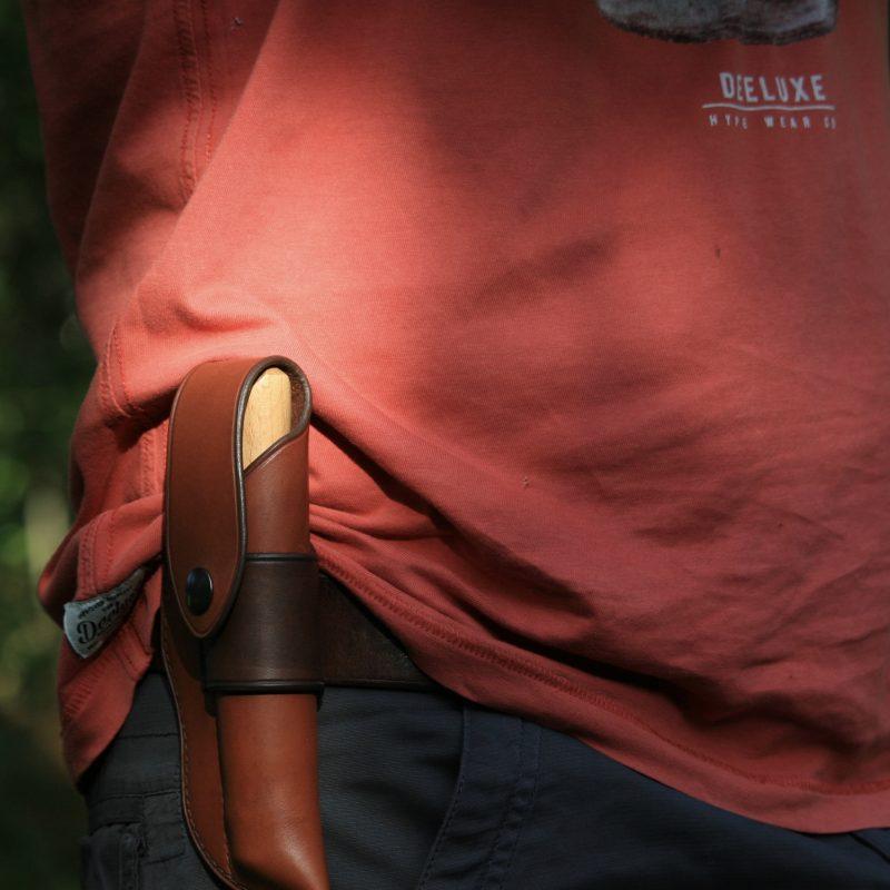 Étui Opinel 12 cuir porté